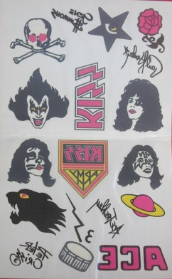 """As """"tattos"""" no cd remaster - vinham na edição original do vinil em 1977."""