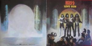 Capa e Contracapa na edição remasterizada do cd (Logotipo correto)