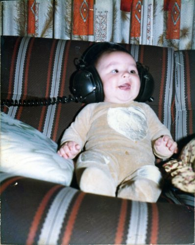 Eduardo_headphones_1982