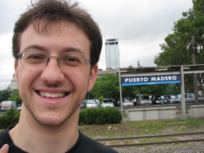 Ao lado, Puerto Madero. Hora do rango, certo, Marcus?