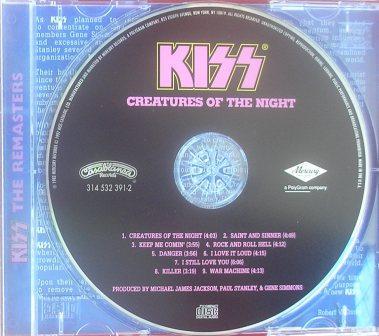 No cd da edição remaster - o padrão original em azul e rosa