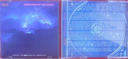 A contracapa da versão remaster mantém o padrão original. A versão remaster traz uma resenha em inglês.