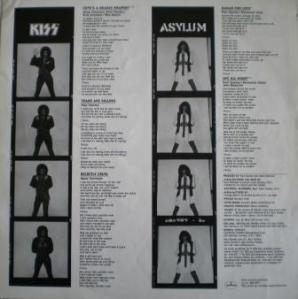 O verso do encarte com as fotos de Gene e Bruce em P&B.