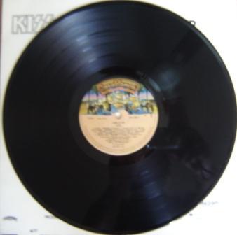 O vinil de LICK IT UP - nosso primeiro álbum novo como fãs do Kiss.