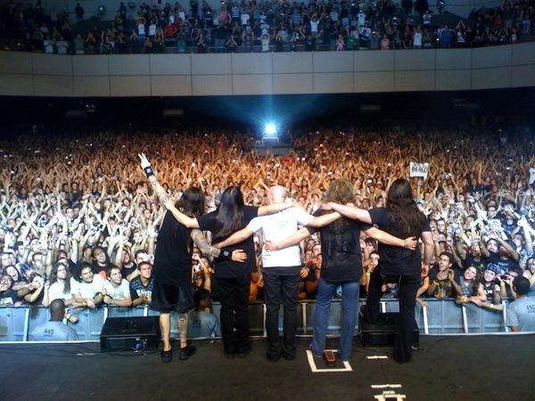 Tradicional foto de despedida da banda nos shows - RJ 20/março/2010