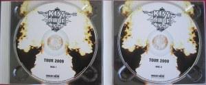 O Álbum duplo com os cds em fundo branco e preto.