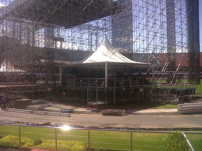 18/novembro/2010: montagem do palco do Paul McCartney - Estádio do Morumbi, São Paulo