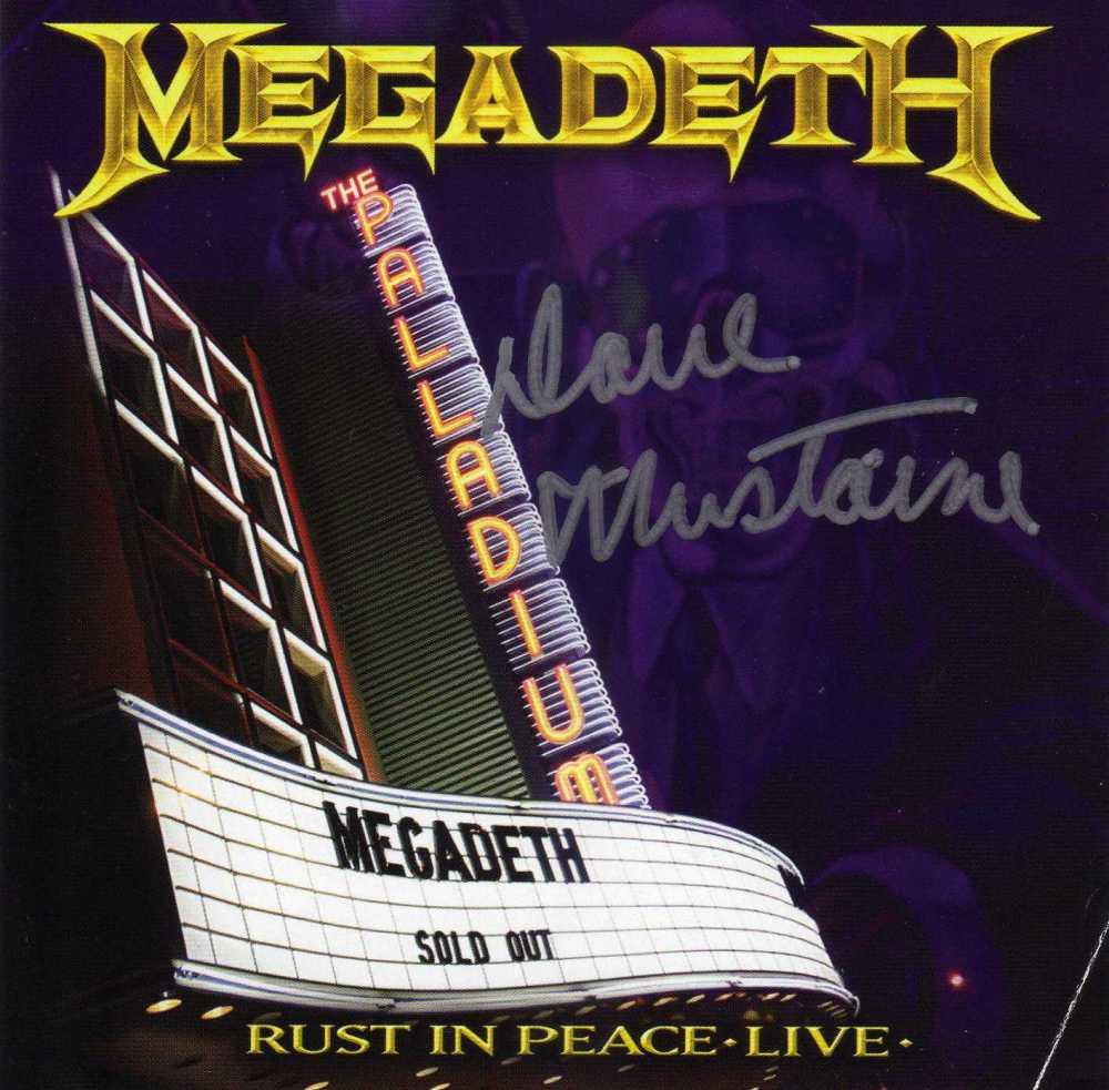 E aqui sim, o encarte do tradicional tamanho de encartes de CD, devidamente autografado por DAVE MUSTAINE!