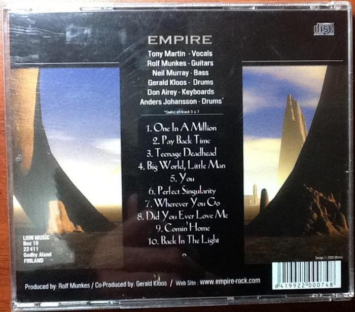 Empire – contra-capa do trabalho com Tony Martin nos vocais