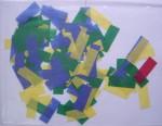 Um pouco do papel picado que caiu no fim do show (note que há um vermelho, provavelmente resquício do show da Colômbia)