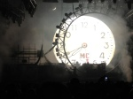 Relógio marcando o início do show de Vince Neil e CIA