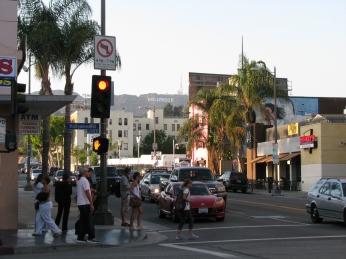 Uma das esquinas da Hollywood Blvd, a única esquina com visão para o letreiro