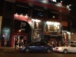 Em outra noite que tive a oportunidade de passar pelo Whisky novamente, desta vez já de noite, ele estava aberto para um show sold out