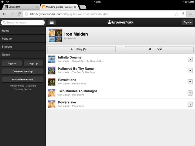 Versão mobile: playlist funcionando em um tablet