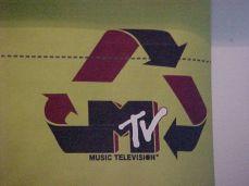 5MC-011F_MTV_ABRIL2001