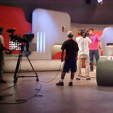 MM1MC-015F_MTV_ABRIL2001