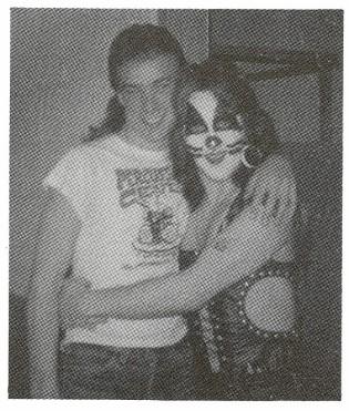 Neil Peart e Peter Criss, do Kiss em 1975