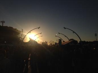 Pôr do sol deste domingo no Sambódromo