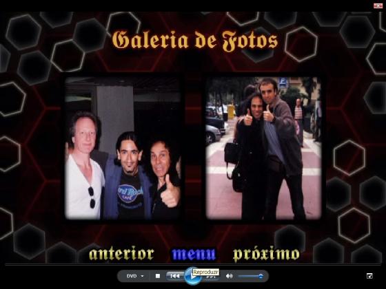 Luciano é o do meio na foto à esquerda