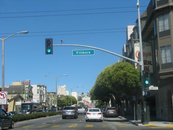 Cruzando a Fillmore Street