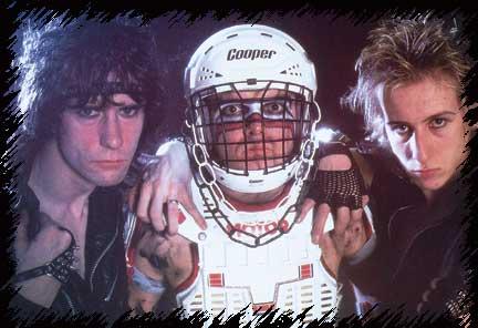 """Raven entre 1985 e 1986, com Rob """"Wacko"""" Hunter na bateria"""