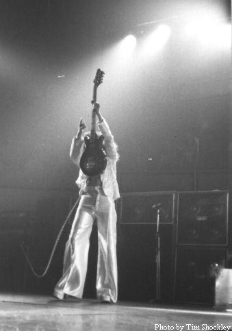 04 Black_Sabbath_Geezer_Butler John Birch 8 strings 02