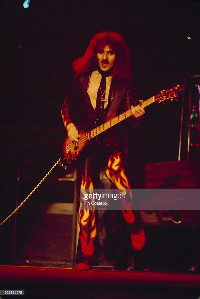 04 Black_Sabbath_Geezer_Butler John Birch 8 strings