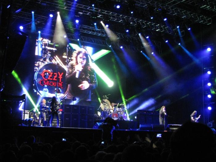 2015-04-30_23-38-50_Monster Tour 2015