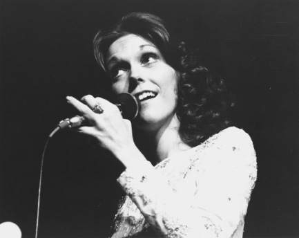 Carpenters 1976 Karen Carpenter (Photo by Chris Walter/WireImage)