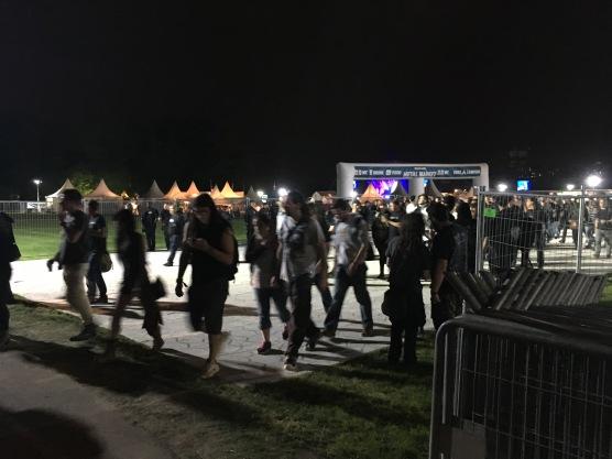 Saída cerca de 20 minutos depois do fim do show do Iron Maiden
