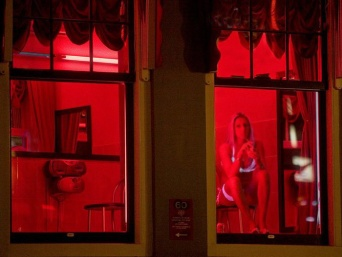 red-light-district-amsterdam-18