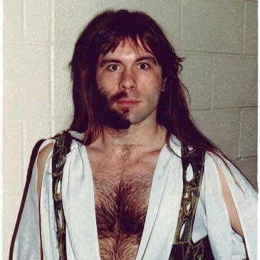 Bruce Half Beard